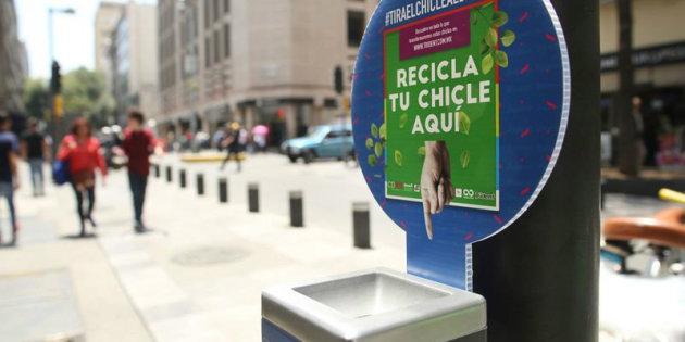 Trident reciclará chicles para convertirlos en botes de basura