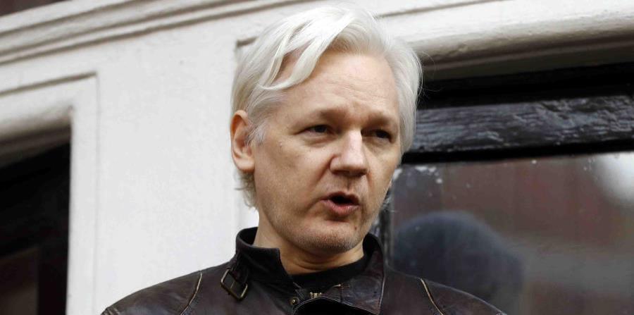 Arrestan a Julian Assange, fundador de WikiLeaks