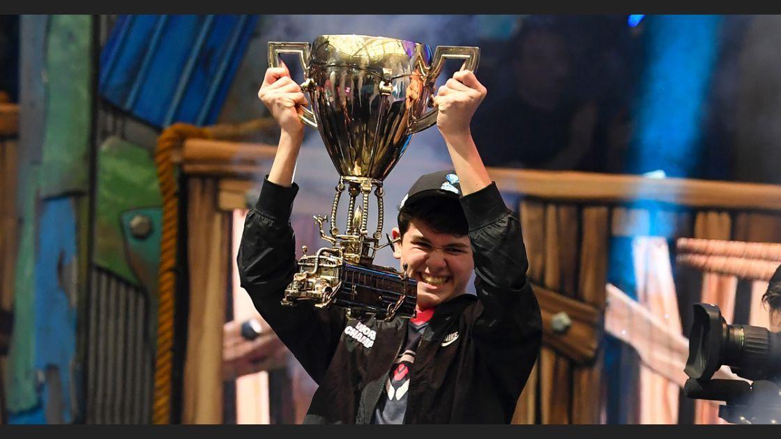 Con 16 años gana 3 mdd en la Copa Mundial de Fortnite