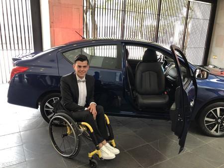 Nissan lanza auto adaptado para personas discapacitadas