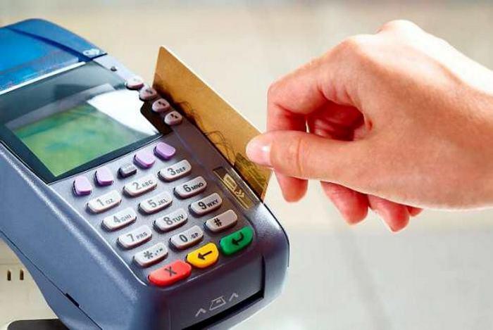 Usuarios reportan fallas en pagos con tarjetas de débito y crédito a nivel nacional