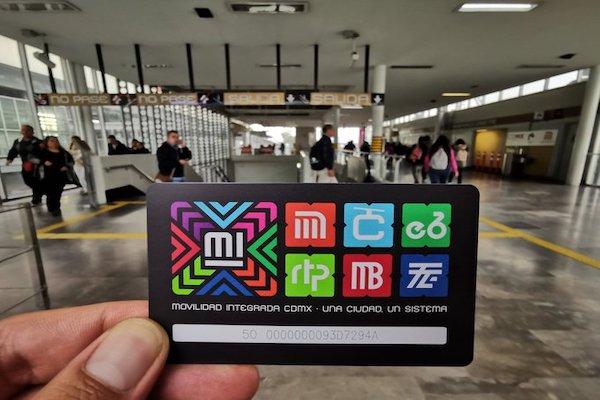 Gobierno de la CdMx lanza tarjeta única para sus medios de transporte