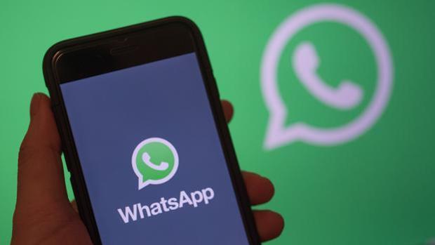 Te enseñamos a mandar mensajes al revés en WhatsApp