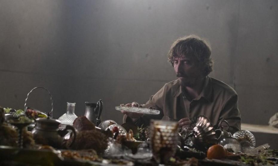 """El director de """"El Hoyo"""" nos explica el significado del final de la película de Netflix"""