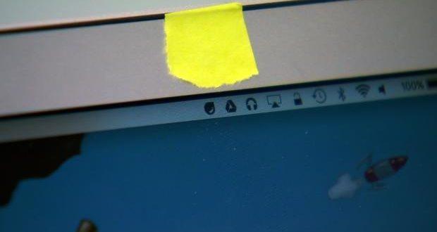 Apple advierte que cubrir la cámara de tu MacBook puede dañarla