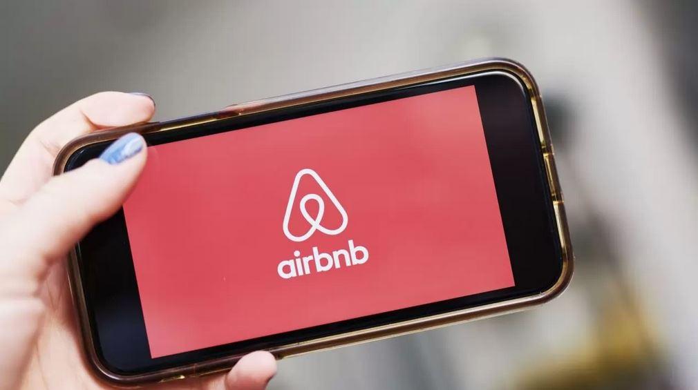Juez niega a Airbnb amparo contra reforma de impuestos digitales
