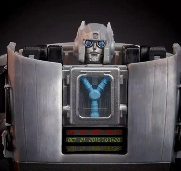 Primeras imágenes del crossover de Transformers y Back to the Future 2