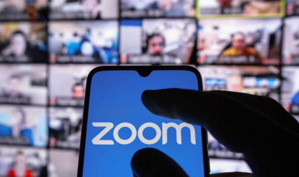 Zoom admite que cerró cuentas a petición del gobierno chino