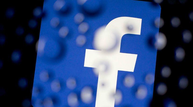 Facebook bloquea a usuarios por copyright pero no cierra grupos de películas
