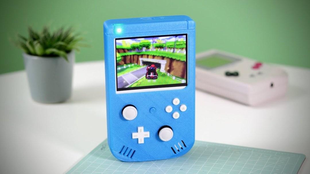 Crean consola portátil que combina un Wii con un Game Boy Color