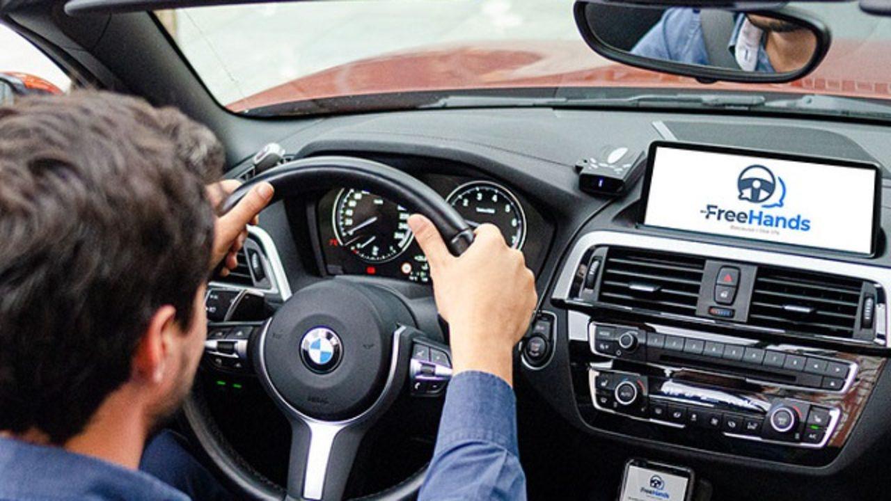 Contesta tu WhatsApp mientras manejas y sin soltar el volante con una app