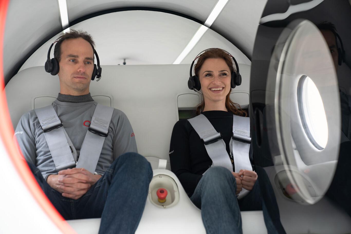 Virgin Hyperloop realiza su primer viaje con pasajeros con éxito 2