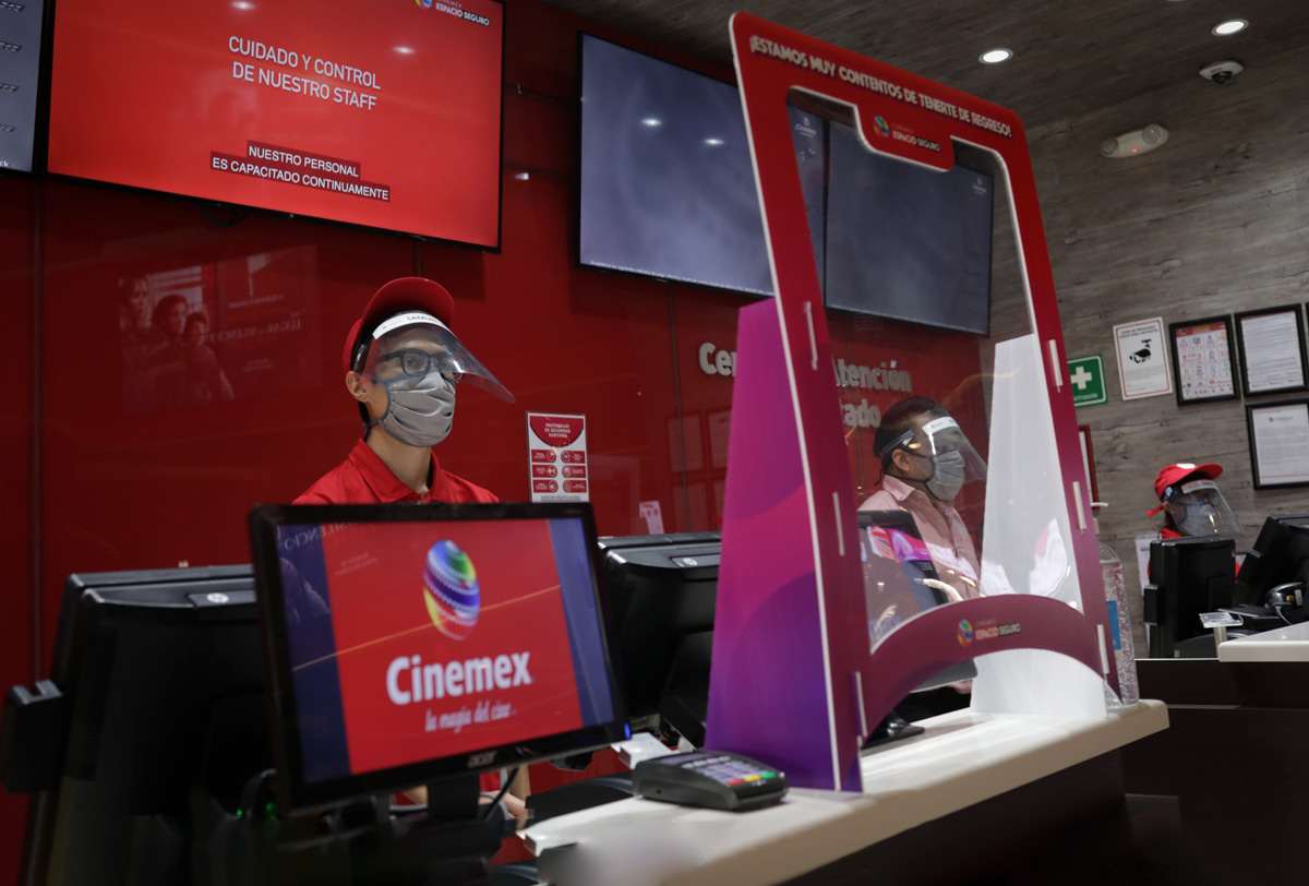 Cinemex suspende pagos a empleados y desactiva su app y página web