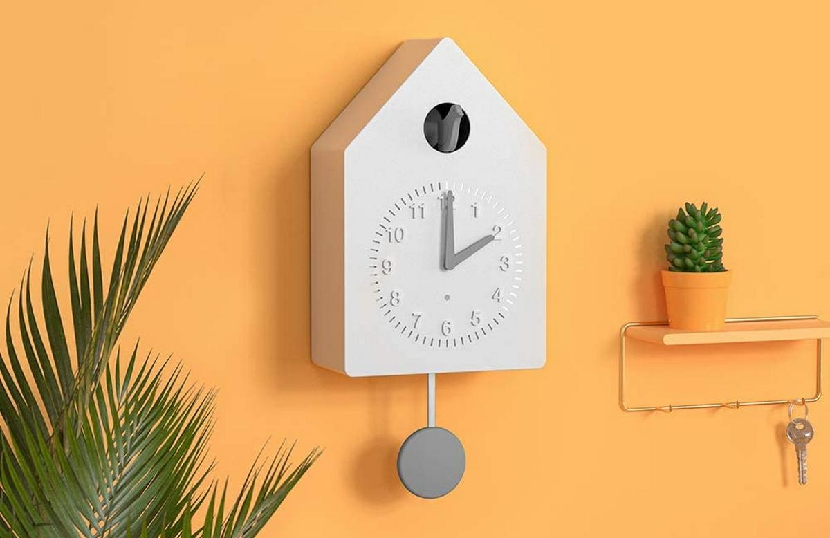 Amazon presenta un reloj cucú inteligente, compatible con Alexa